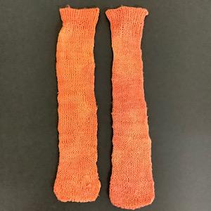 あかね染め手編み靴下
